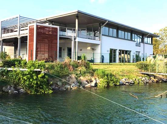Situé à Bayonne, Amestoya est un espace événementiel composé de 2 salles de réceptions avec une magnifique vue sur l'Adour.